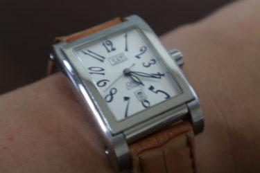 クラシックでオシャレなORIS(オリス)の四角い機械式時計
