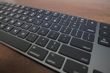 スペースグレイのMagic Keyboard(US配列)、使用レビュー。お洒落なデザインが心地良い。