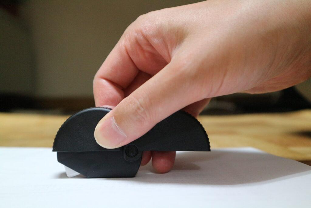 A4用紙や封筒を切るのにも適している