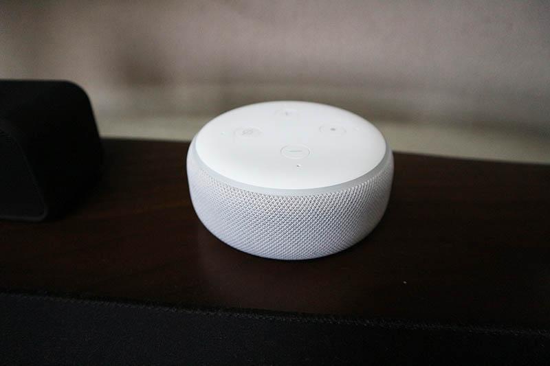 Amazon Echo Dot(スマートスピーカー)
